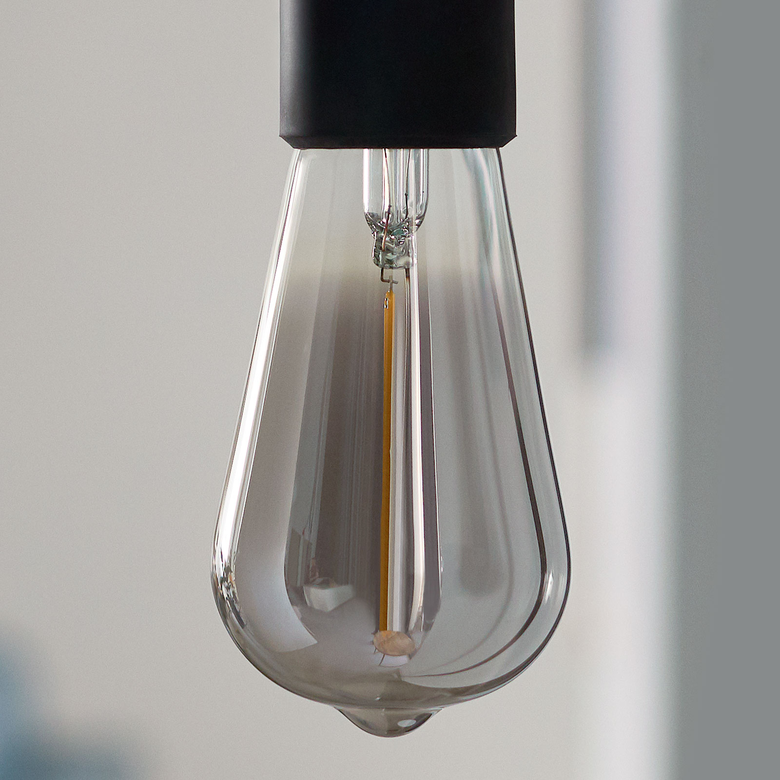 Philips Classic LED-Lampe smoky E27 ST64 2,3W