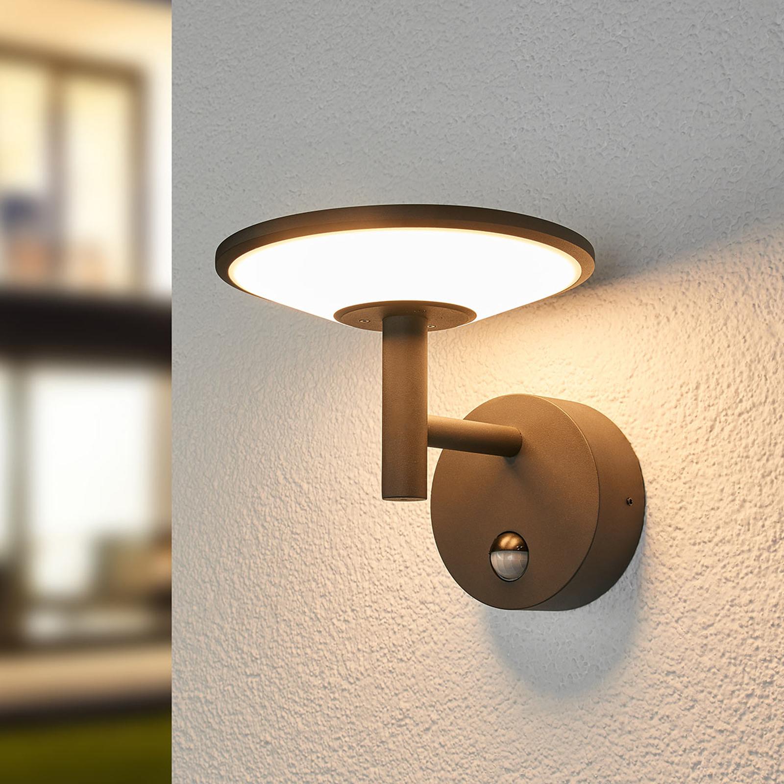 LED-utomhusvägglampa Fenia med rörelsesensor