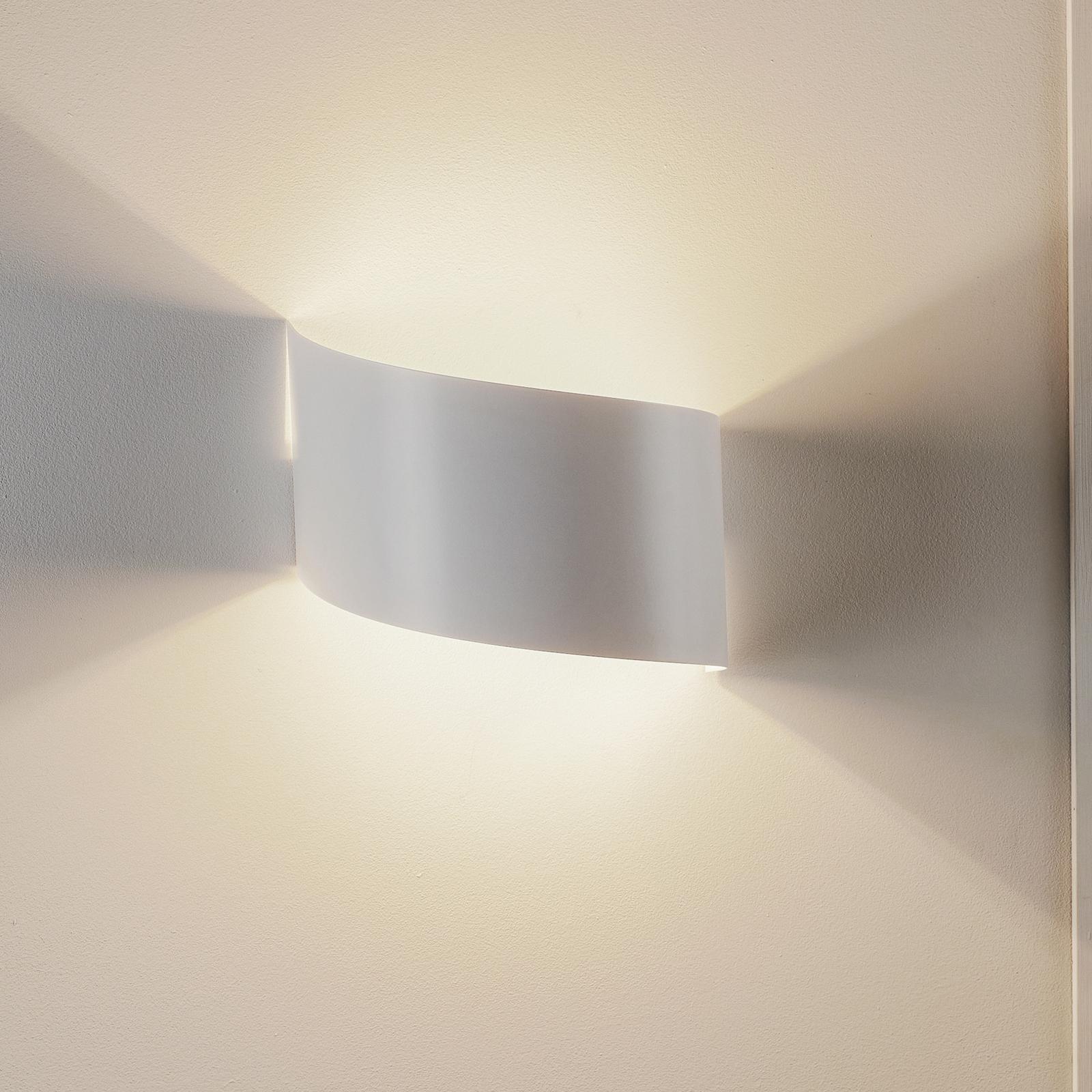 Nástěnné světlo Vero z bíle lakované oceli