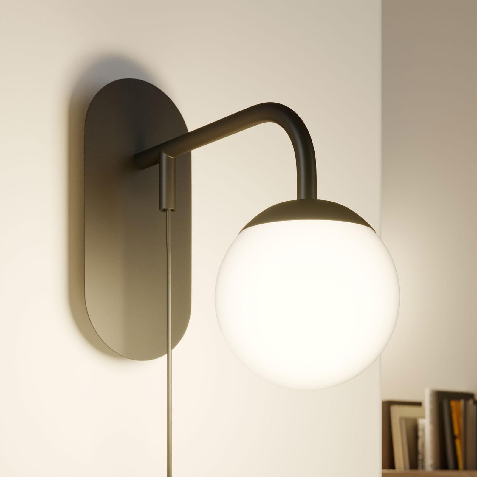 Lucande Rama LED-væglampe med lampeskærm af glas