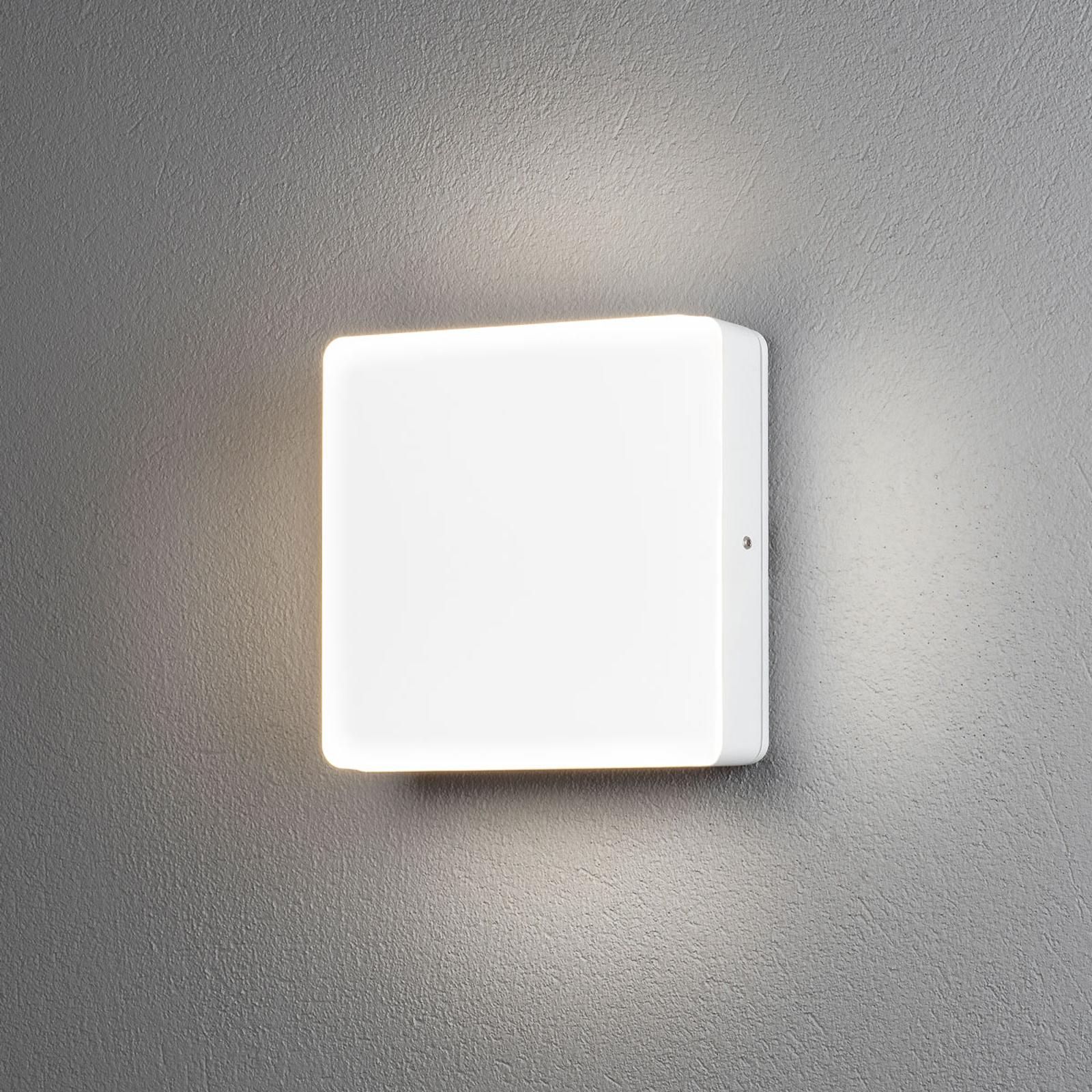 Acquista Applique LED esterni Cesena con fotosensore
