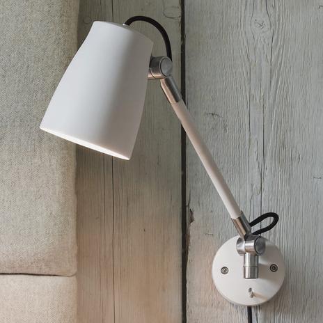 Atelier Grande, regulowana lampa ścienna z wtyczką