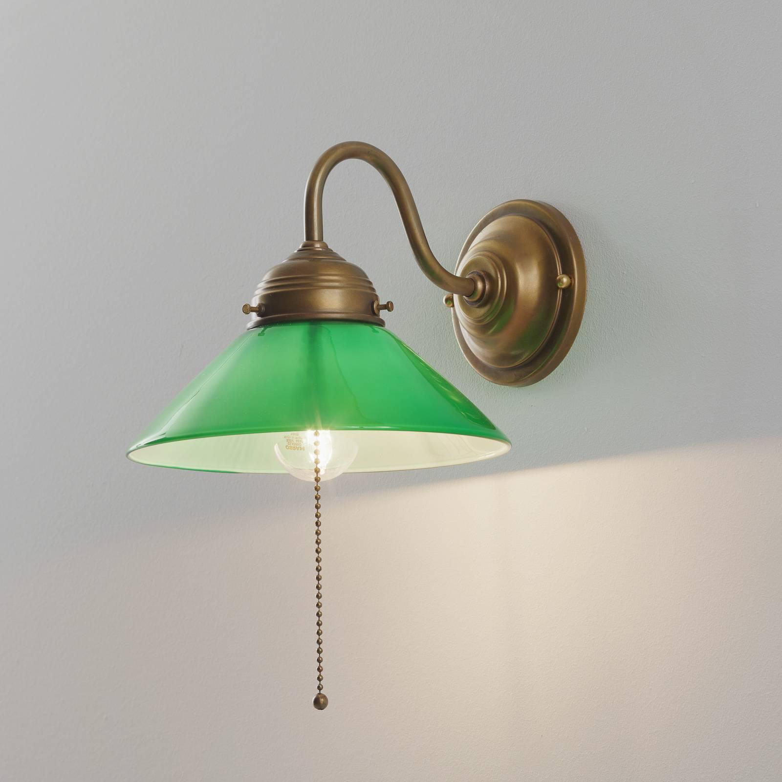 Wandlamp KONRAD met groene glazen kap
