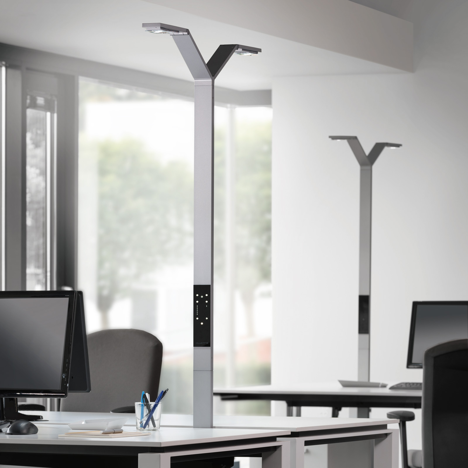 Luctra Floor Twin Linear LED-Stehleuchte aluminium