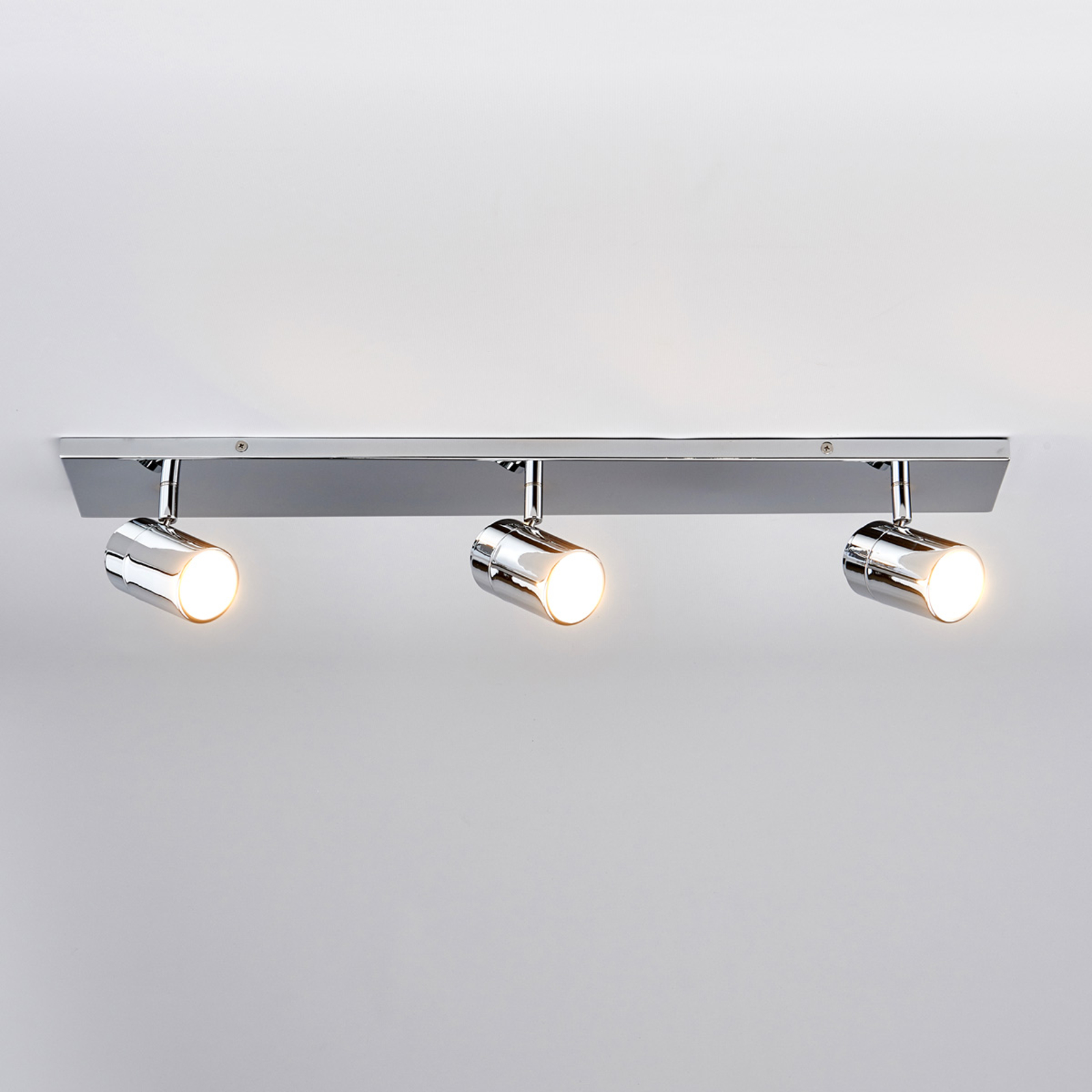 Lampada da soffitto per bagno Dejan a tre luci