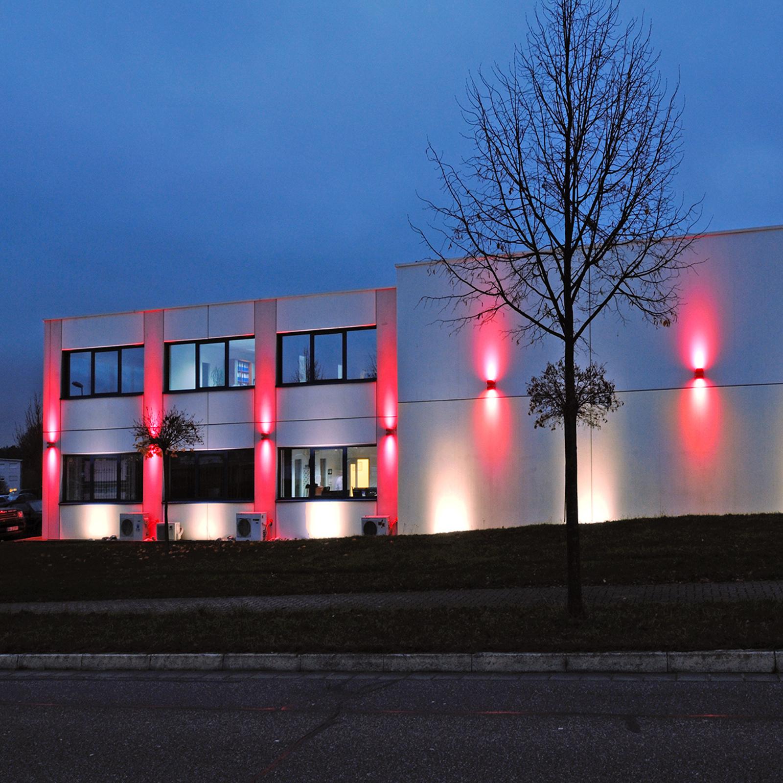LED-lattiauppovalaisin Line, pituus 32,8 cm
