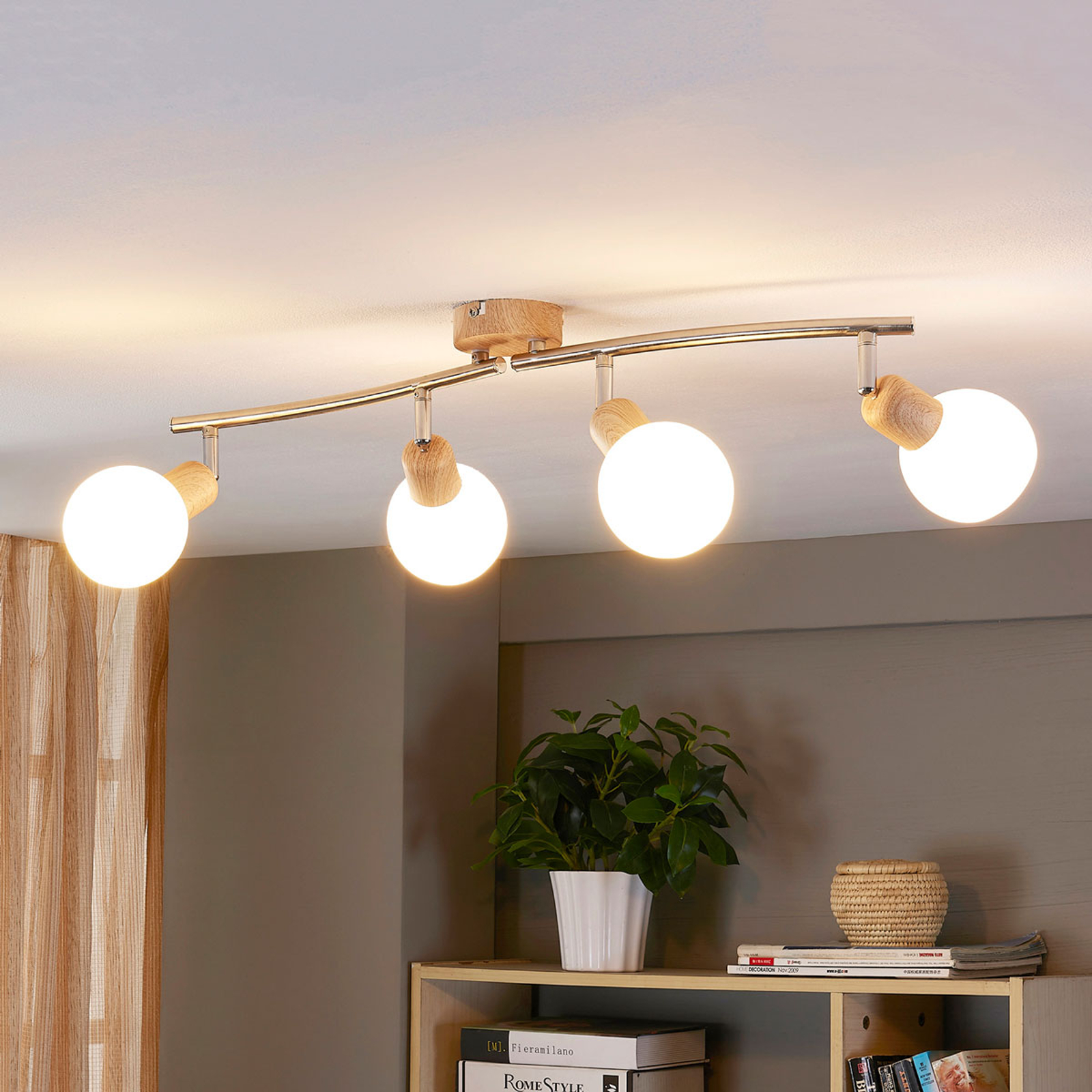 Plafonnier LED en bois Svenka à 4 lampes