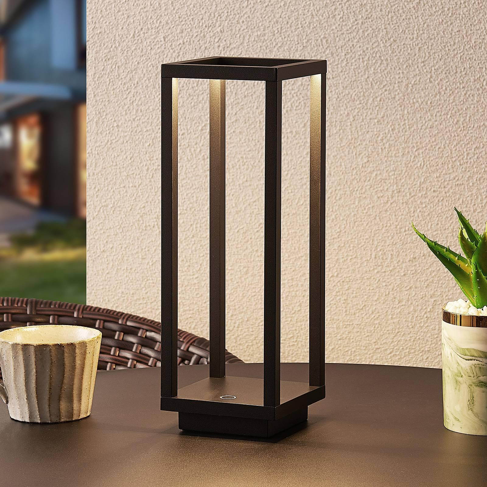 Lucande Kalamei LED buitenlantaarn, USB, zwart