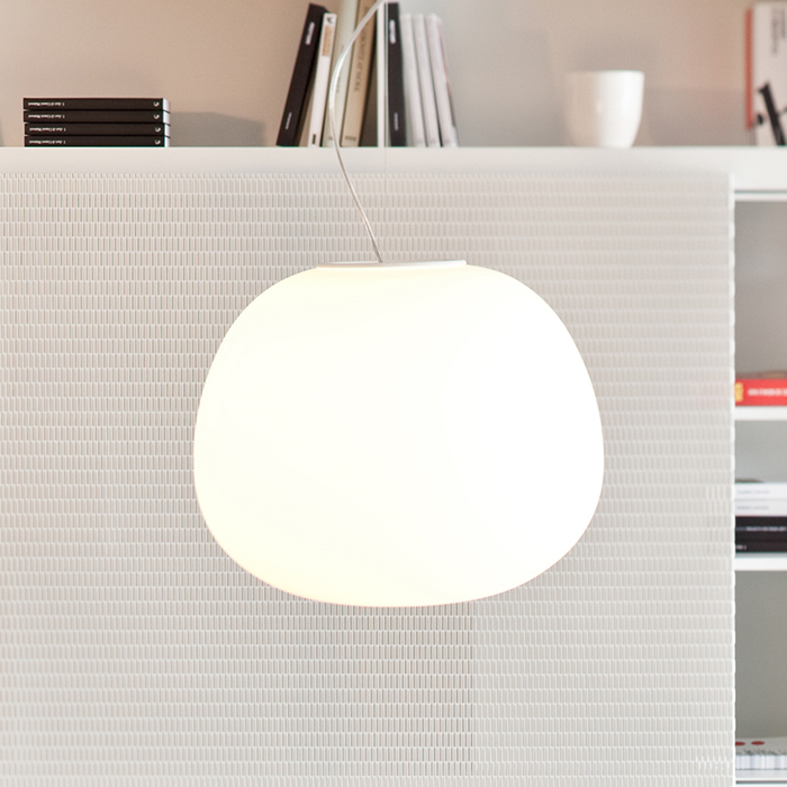 Elegante lampada a sospensione MOCHI 38 cm