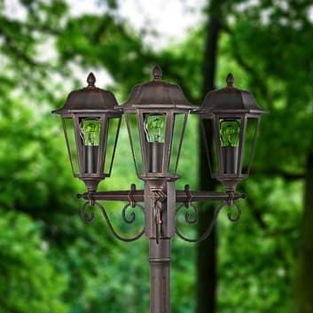 Tyylikäs kolmen lampun kynttelikkö Lamina