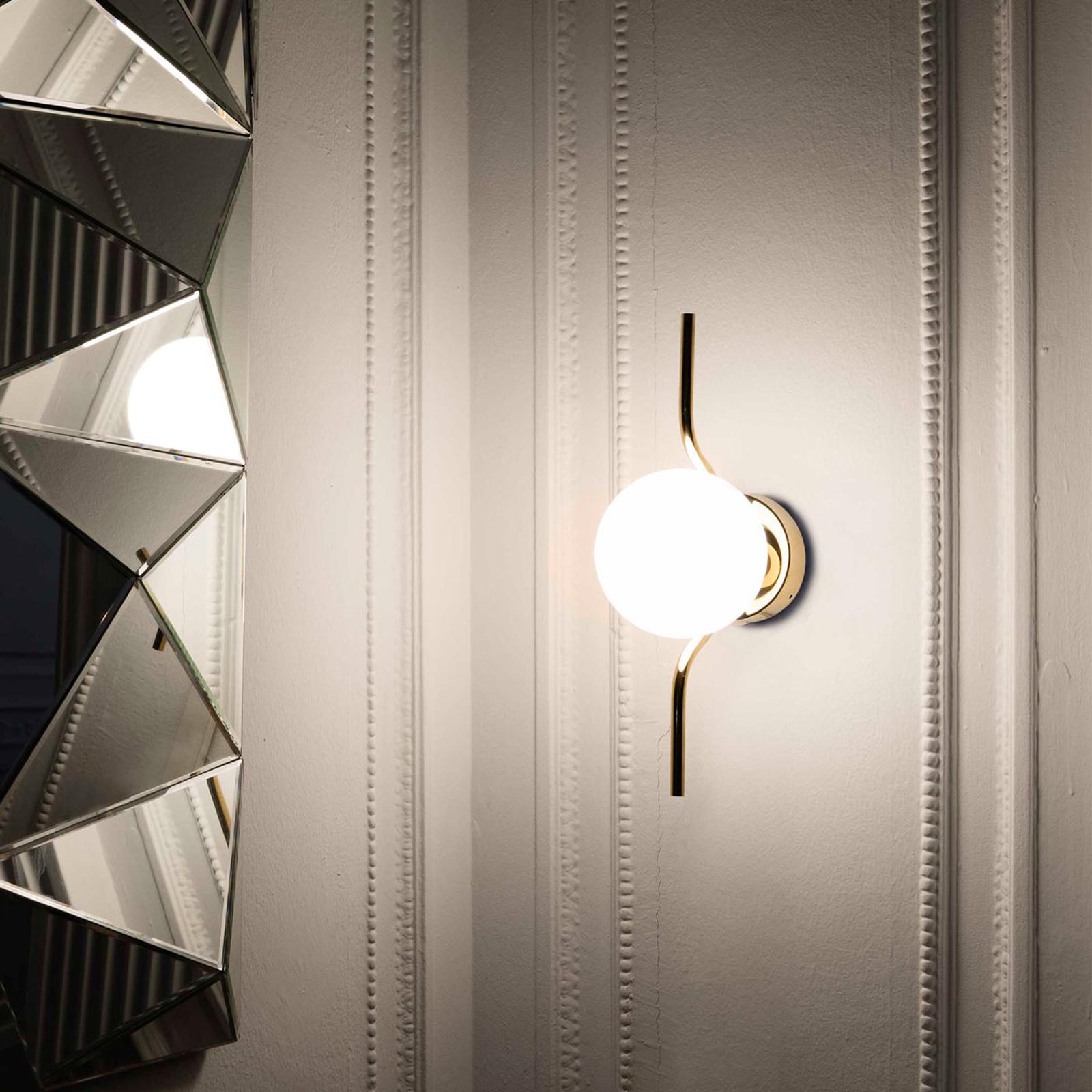 LED wandlamp Le Vita met opaalglas