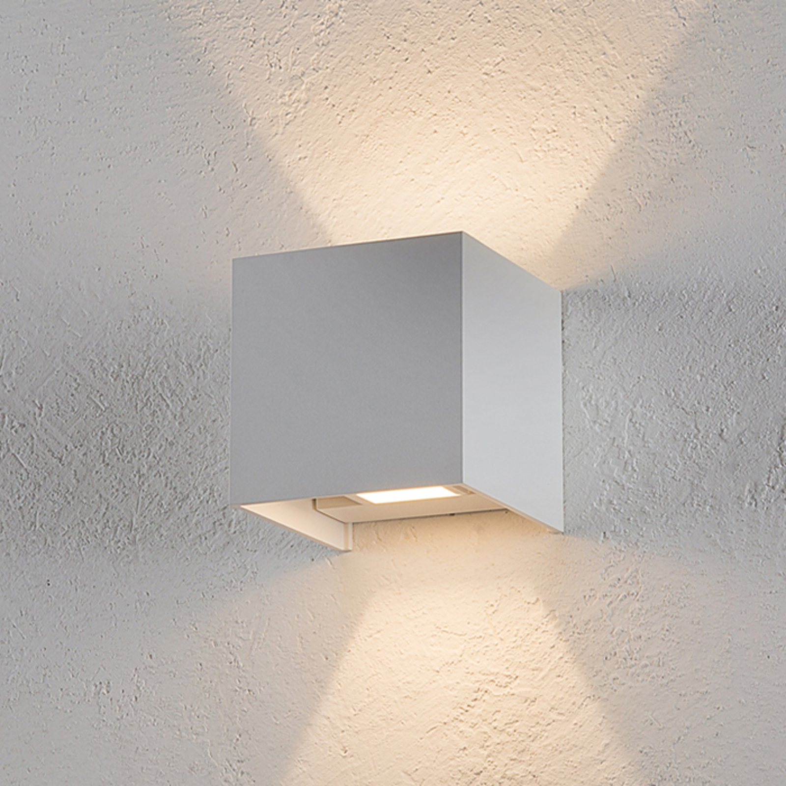 Helestra Siri 44 buitenwandlamp up/down wit