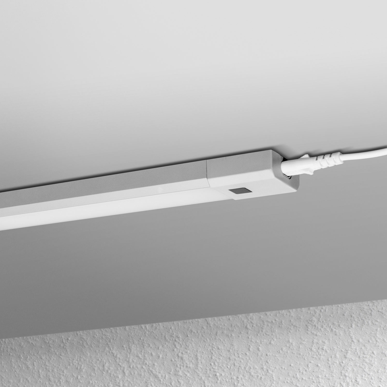 LEDVANCE Linear Slim RGBW bänklampa 50 cm