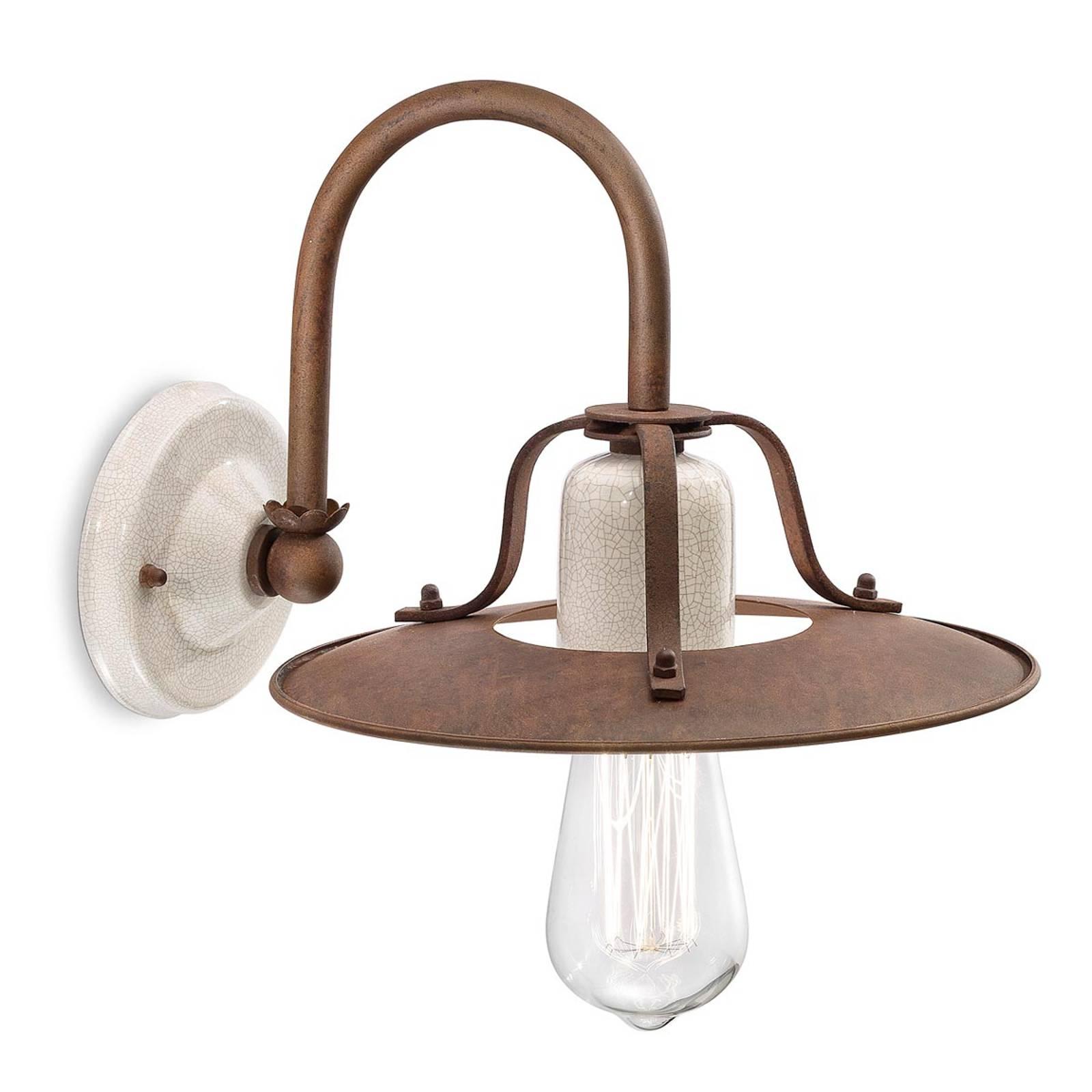 Rustieke wandlamp Riccardo met witte keramiek