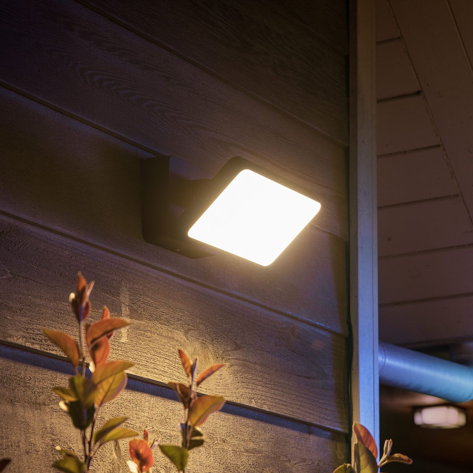 Philips Hue White Welcome outdoor spotlight 2300lm_7534101_1