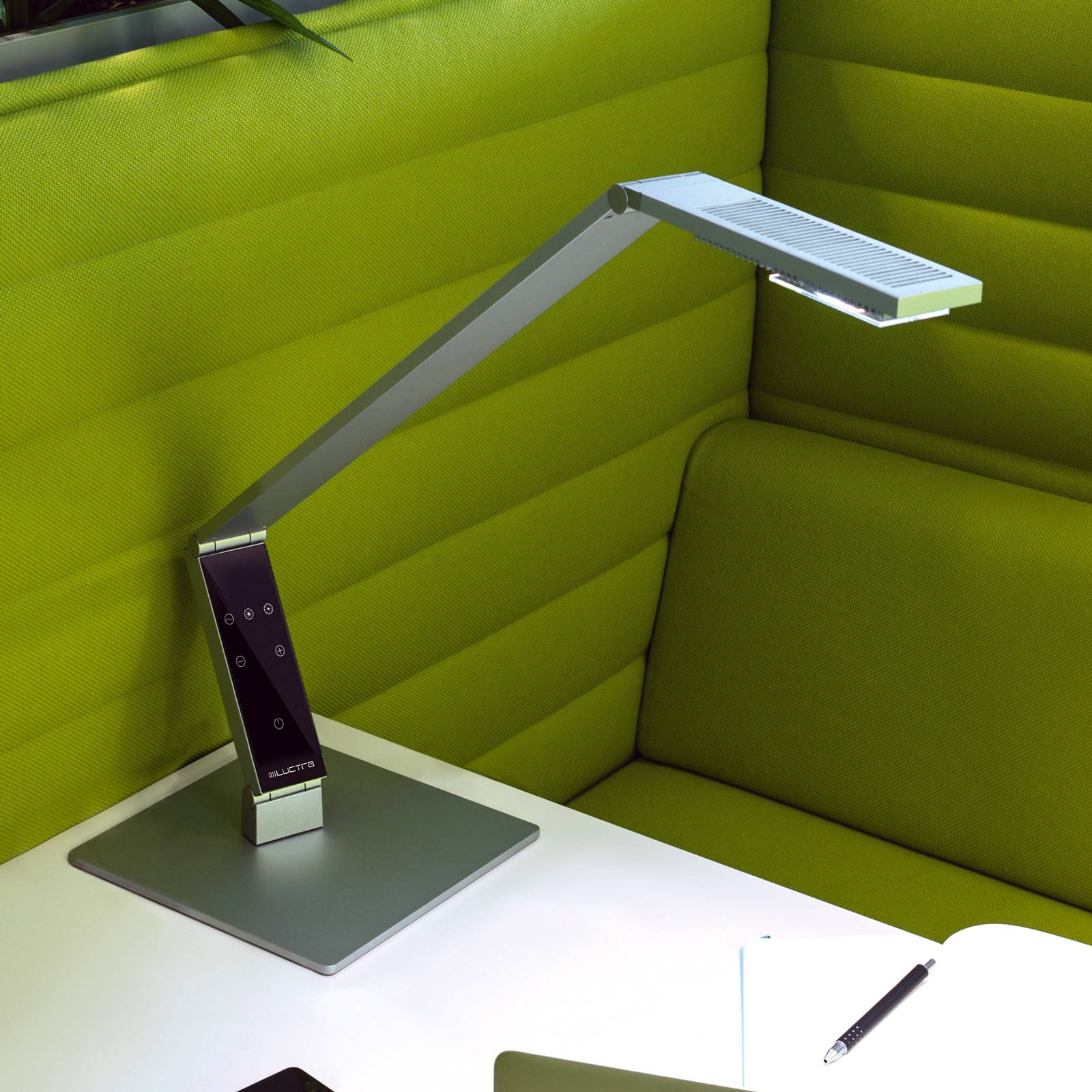 Luctra Table Linear LED-Tischleuchte Fuß alu