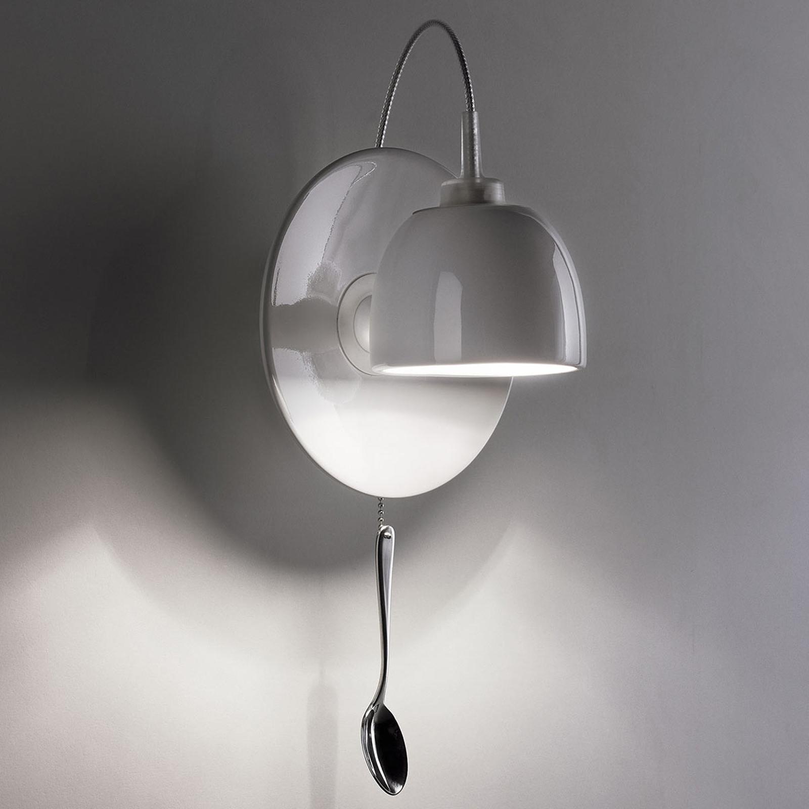 Vegglampe Light au Lait formet som en kopp