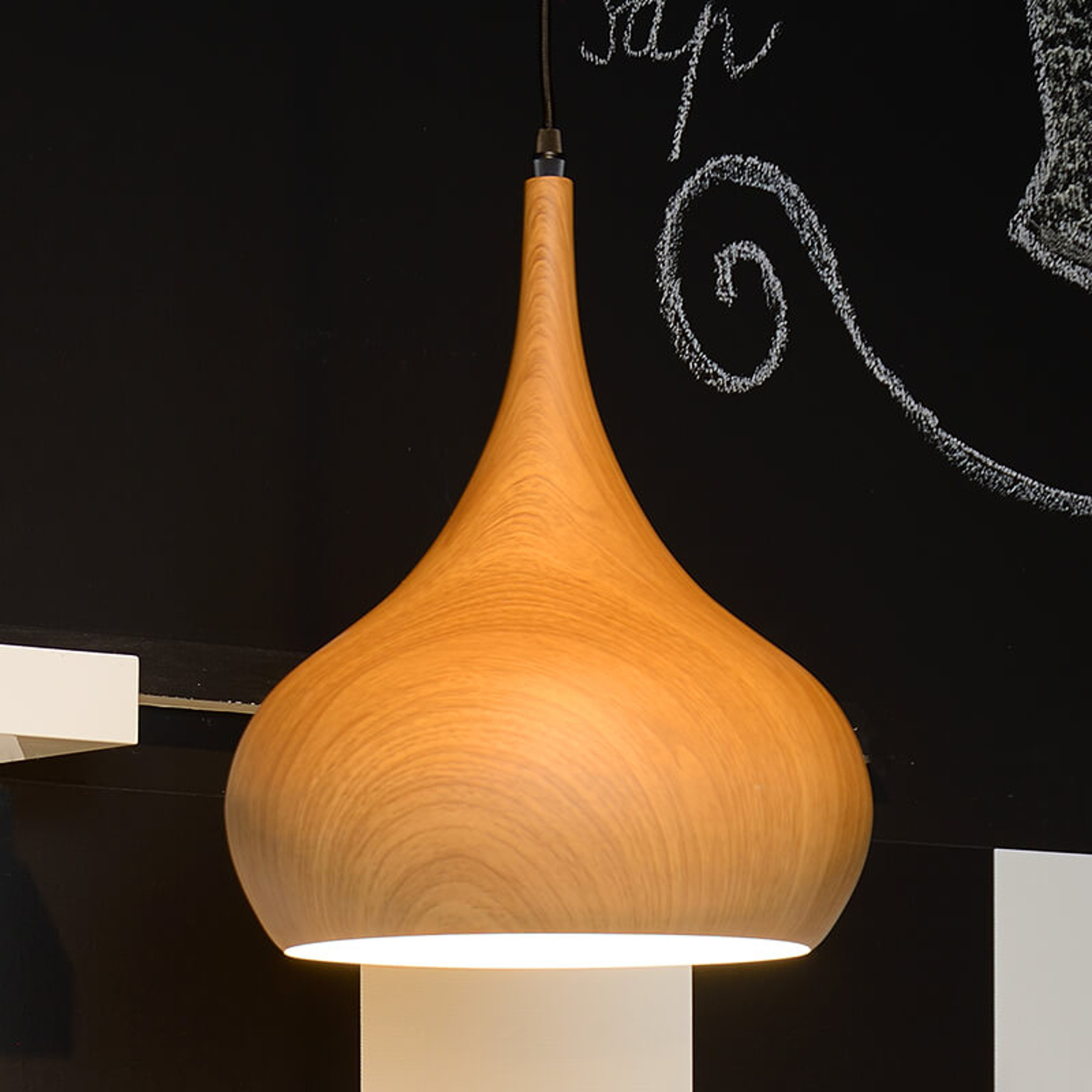 Woody - niezwykła lampa wisząca