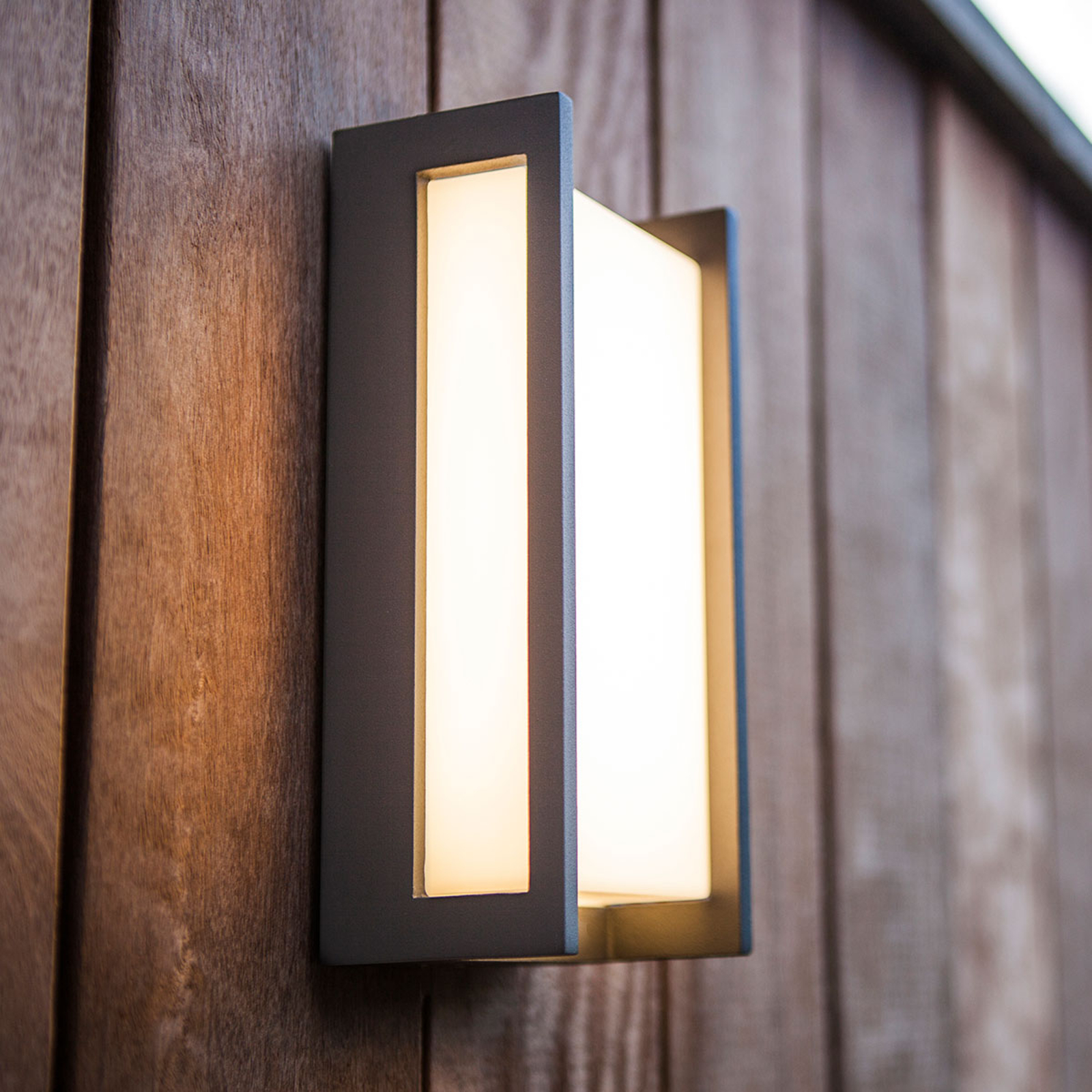 Linear Qubo LED outdoor wall lamp_3006672_1