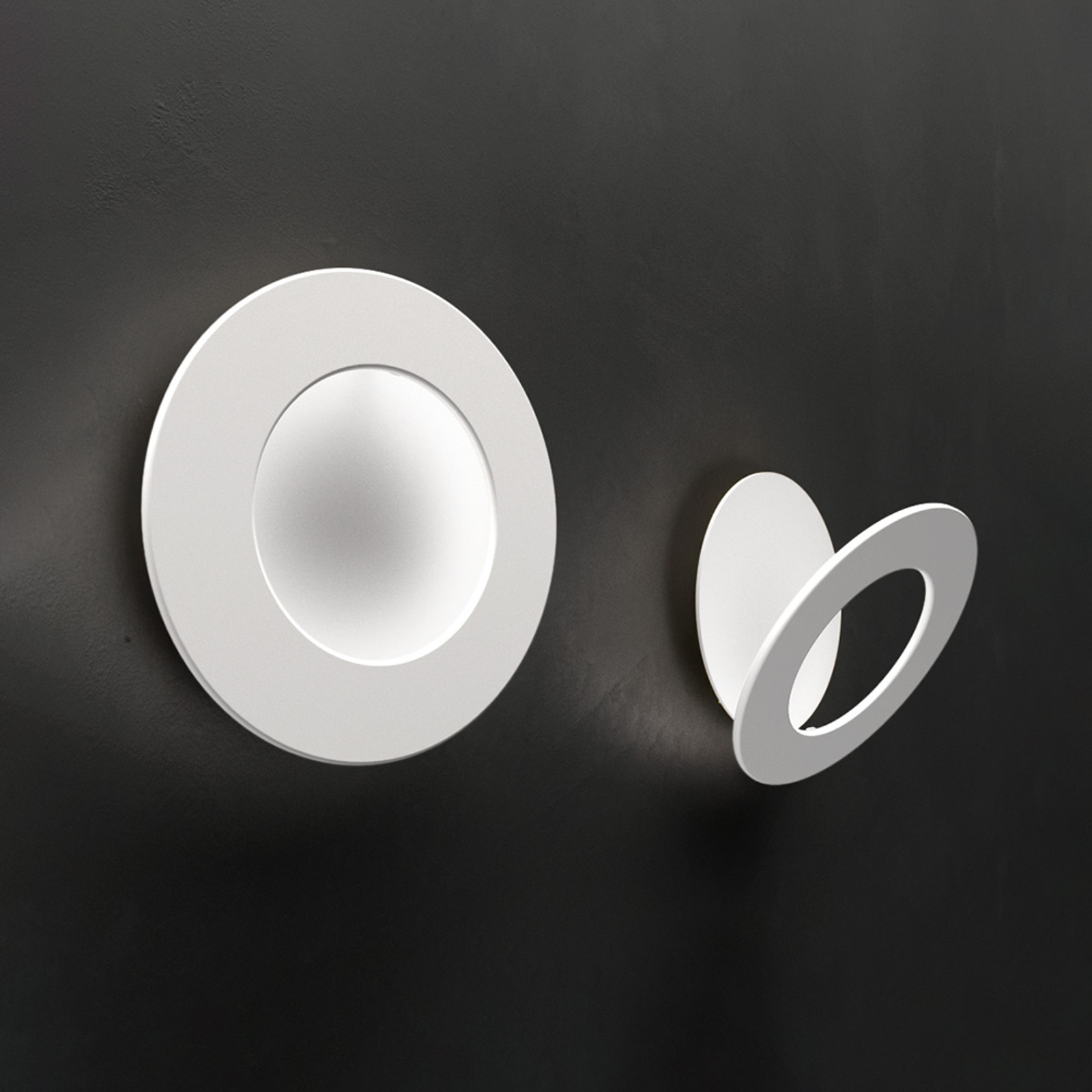 ICONE Vera 26 LED-Wandleuchte, weiß/weiß