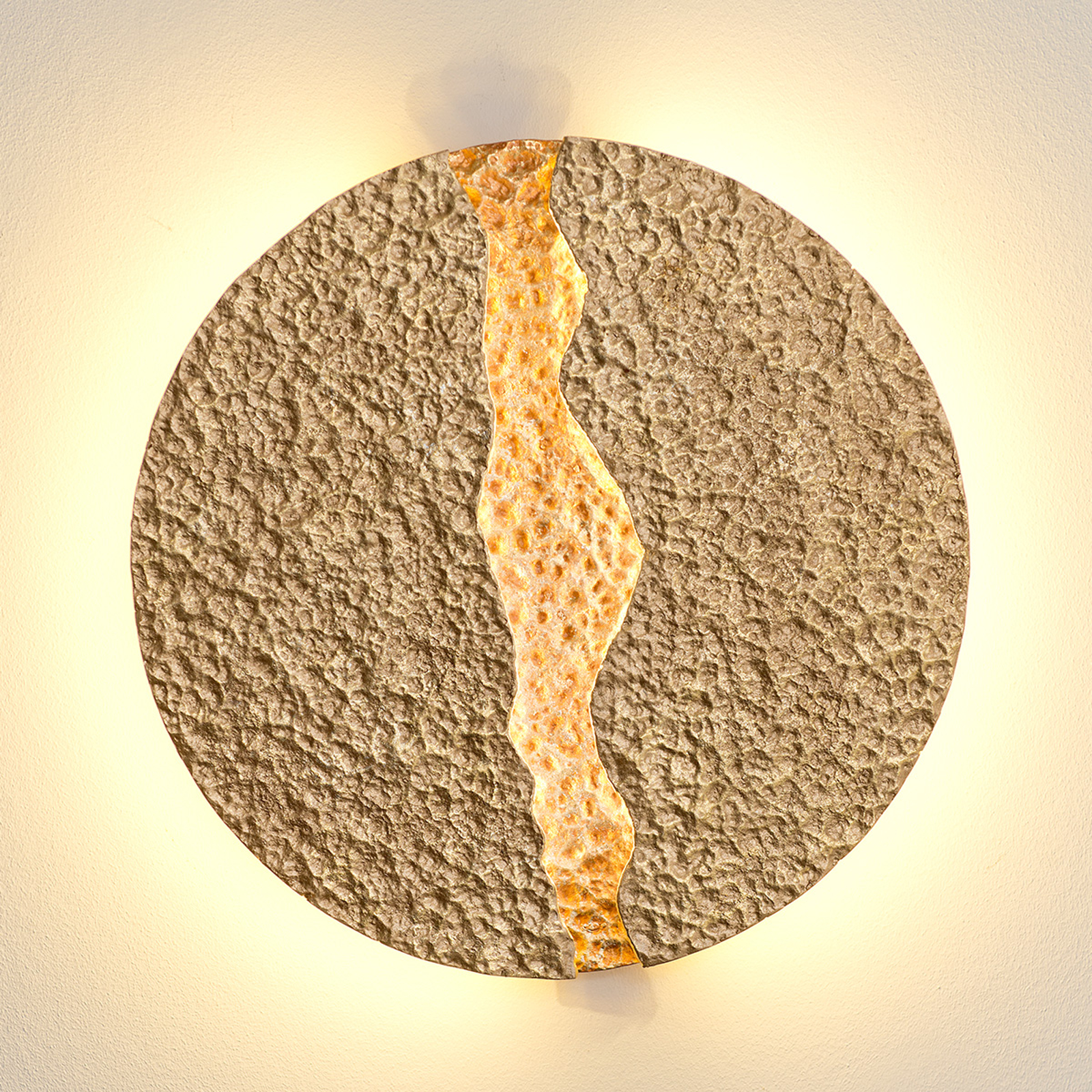 Eruption - ronde, goudkleurige LED wandlamp
