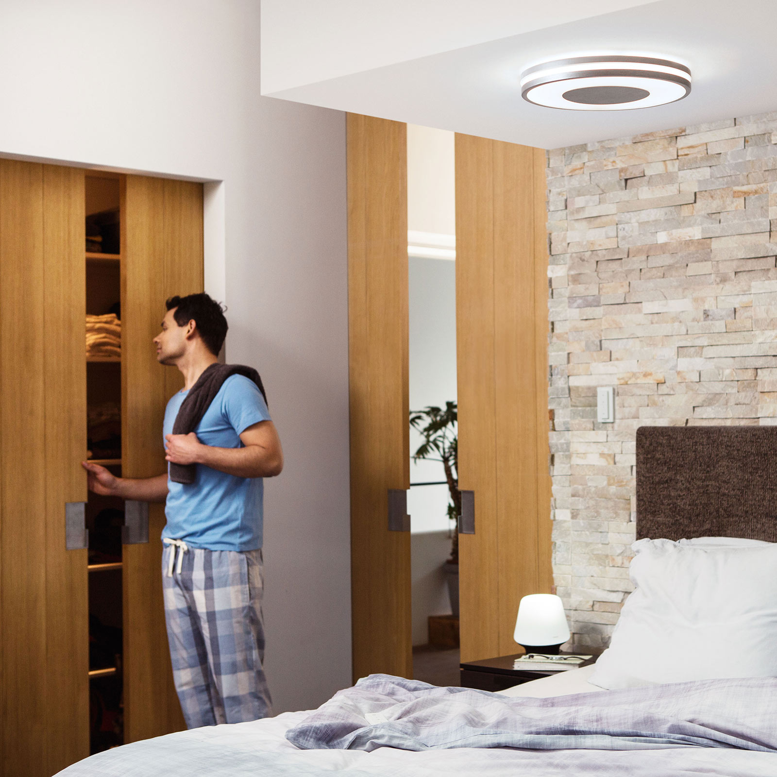 Philips Hue White Ambiance Being Deckenlampe alu