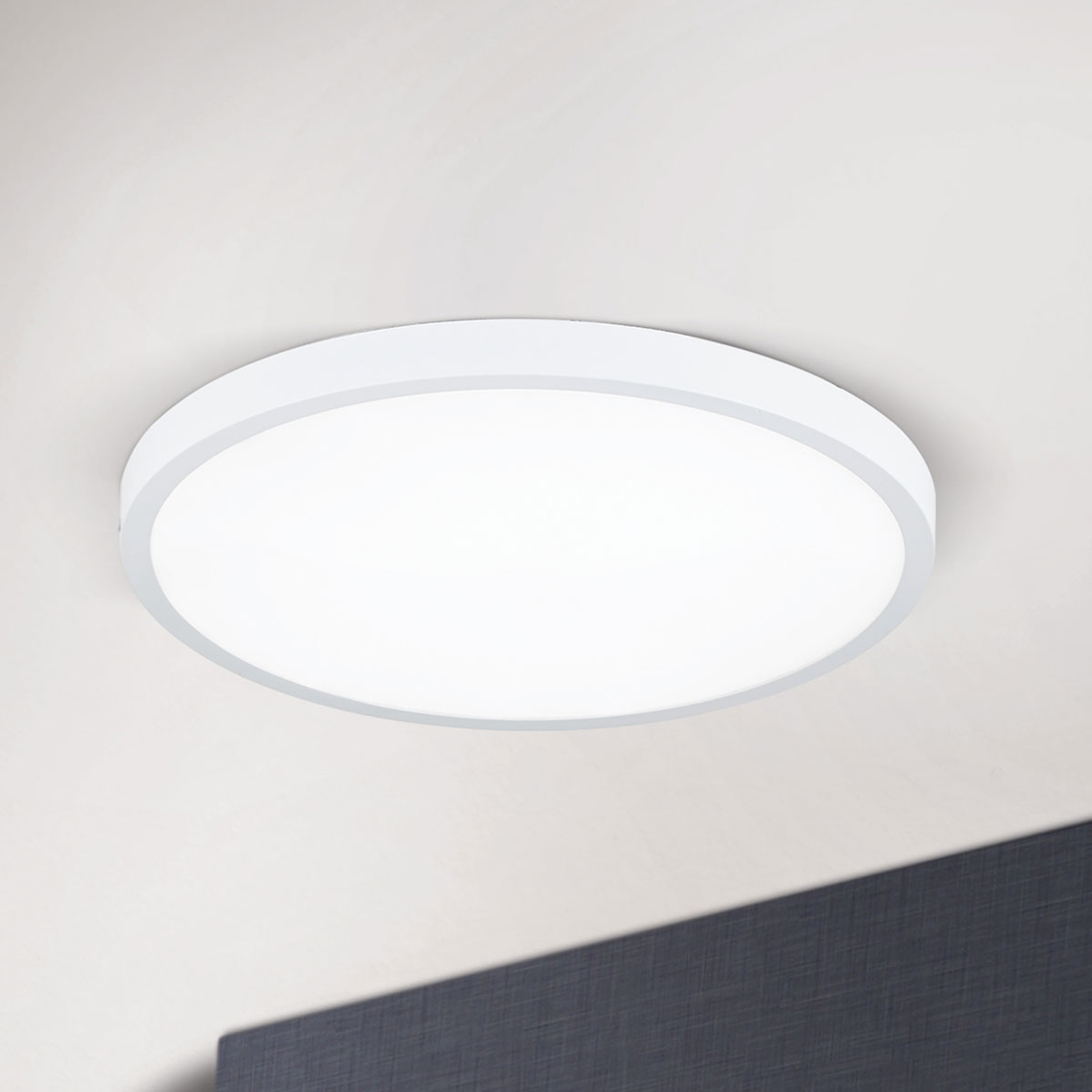 Svært flat LED-taklampe Lero Ø 40 cm