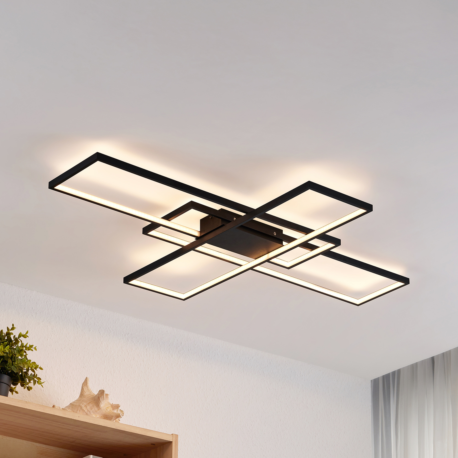 Lindby Tetson LED-taklampe, svart