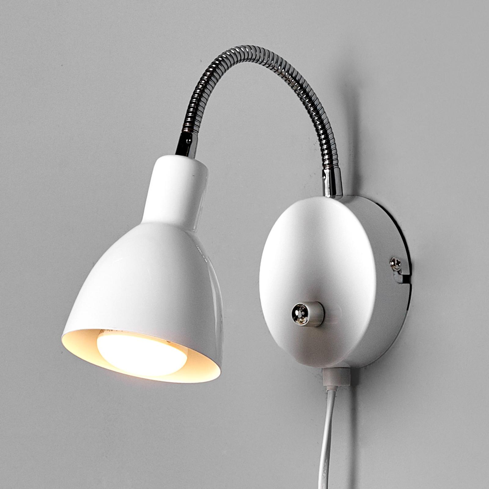 Hvid metal væglampe Amrei med lysdæmper