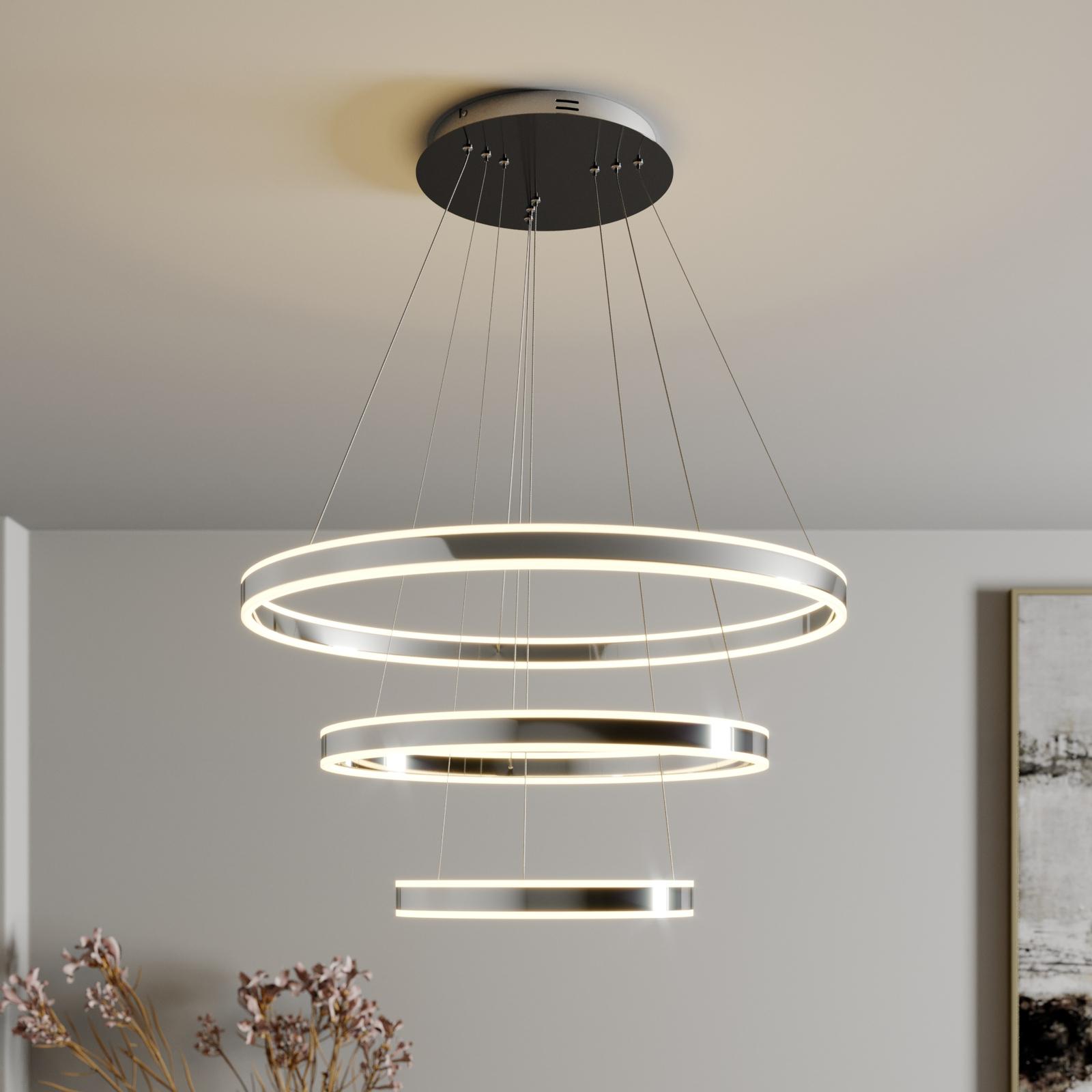LED-pendellampe Lyani, 3 ringer under hverandre