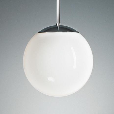Lampa wisząca z opalowym kloszem