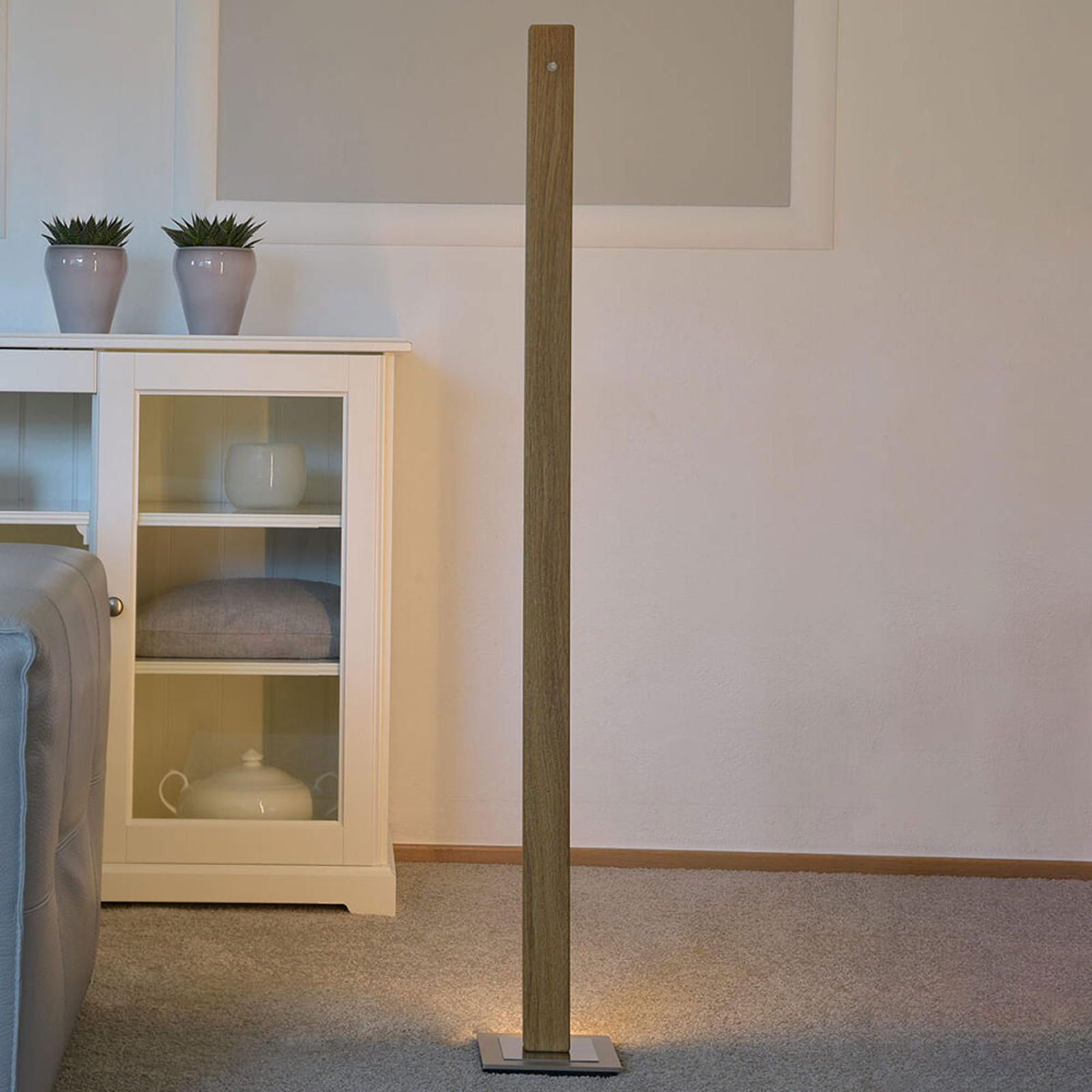 HerzBlut Leonora LED-gulvlampe 122,5 cm oljet eik