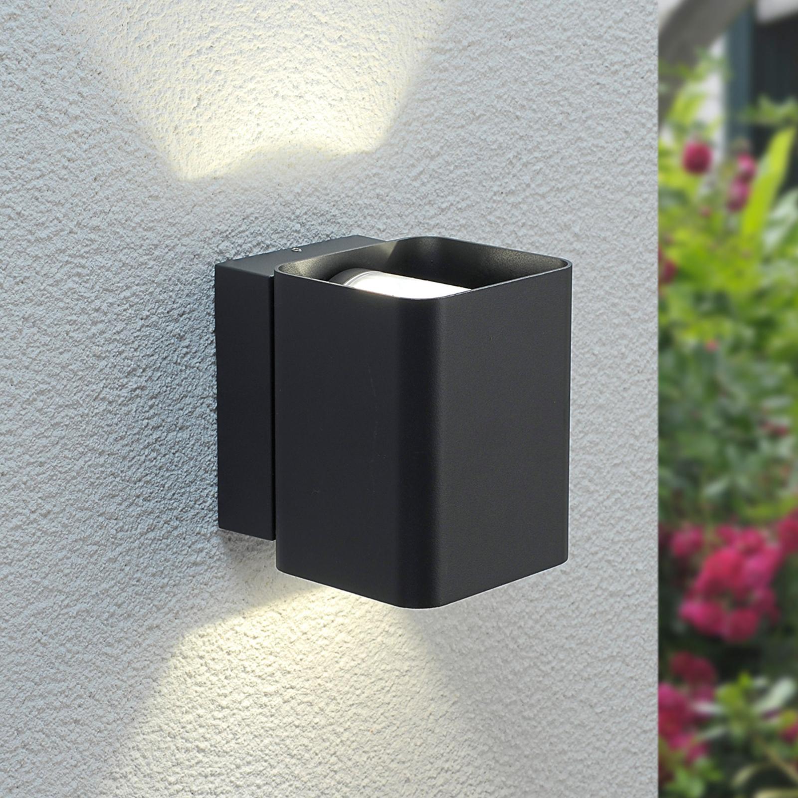 Nikolas - en udendørs LED væglampe med dobbelt lys