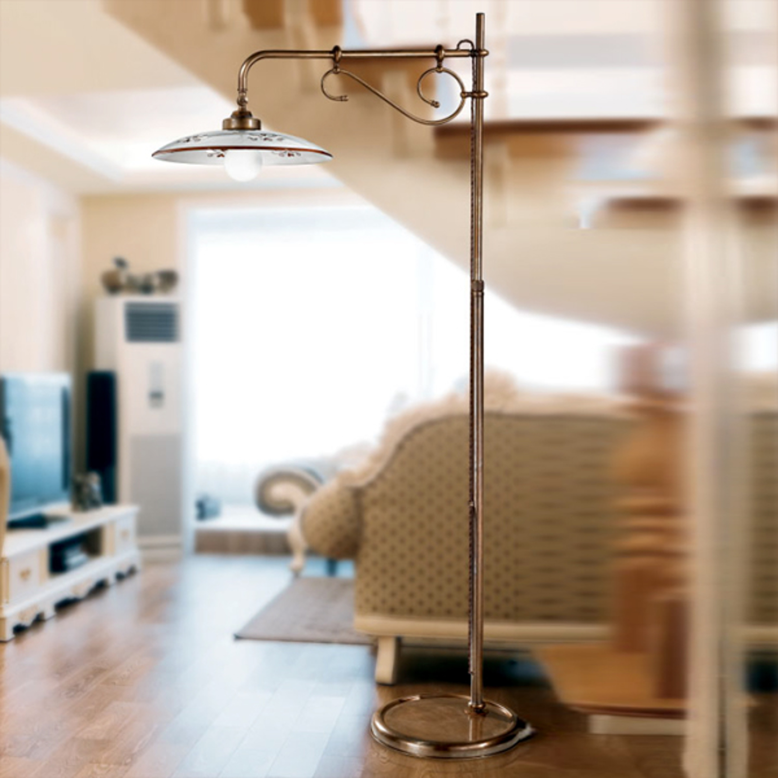 Sierlijke vloerlamp Bassano bruin