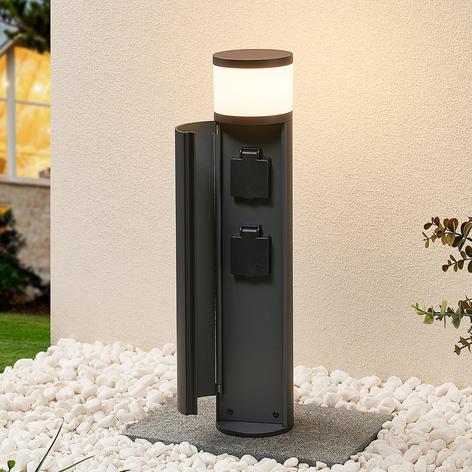 Lucande Corban LED sokl. světlo, dvířka + zásuvky