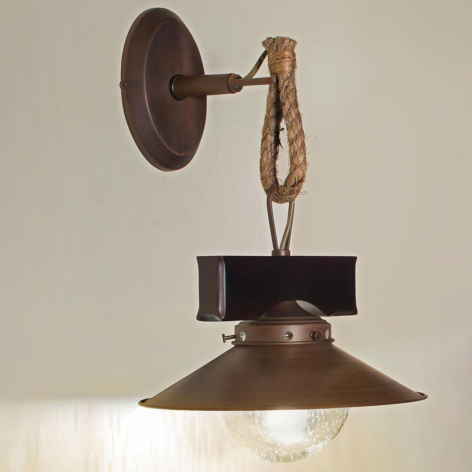 Rustieke wandlamp Nudos in materiaalmix