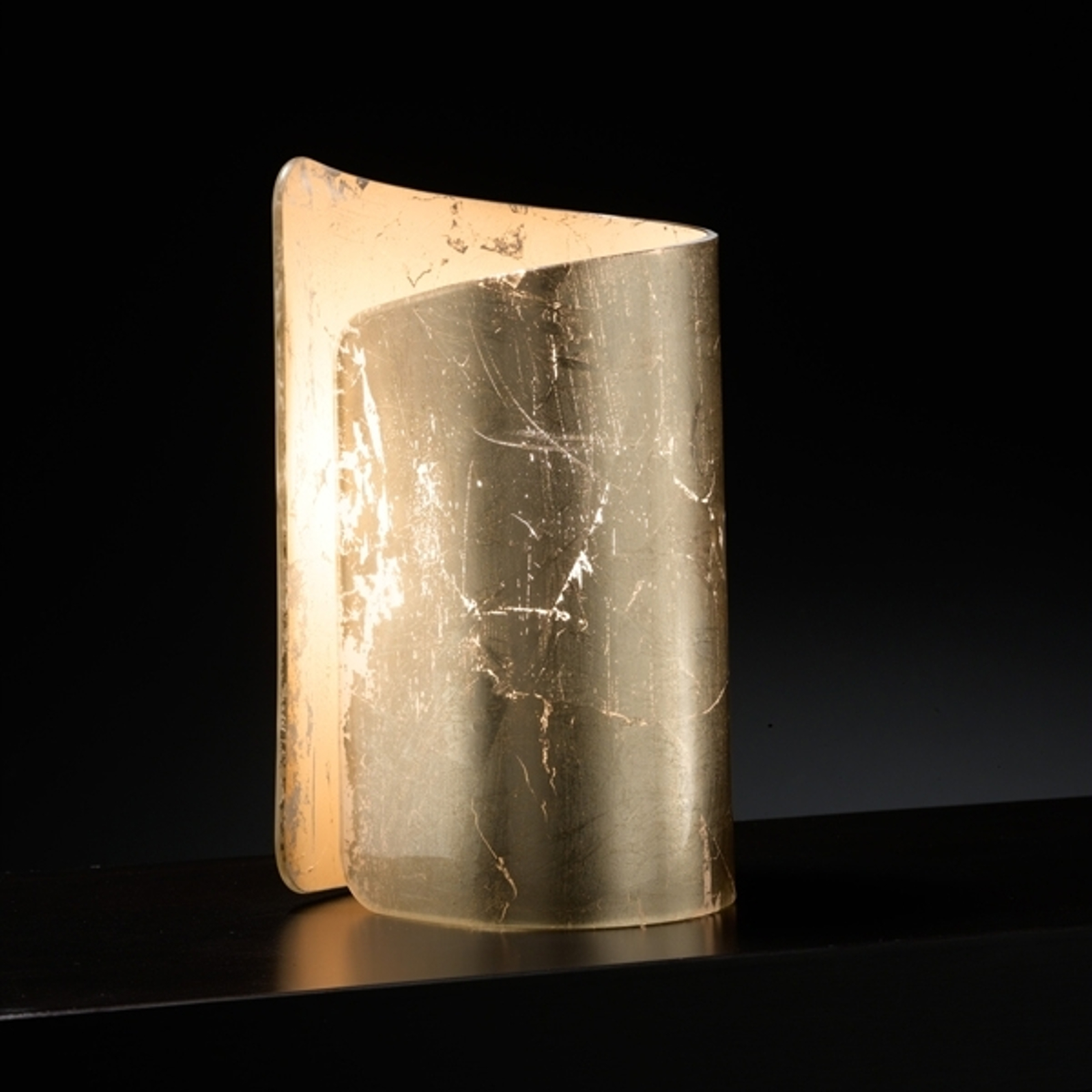 Sfeervolle tafellamp Papiro, goudkleurig