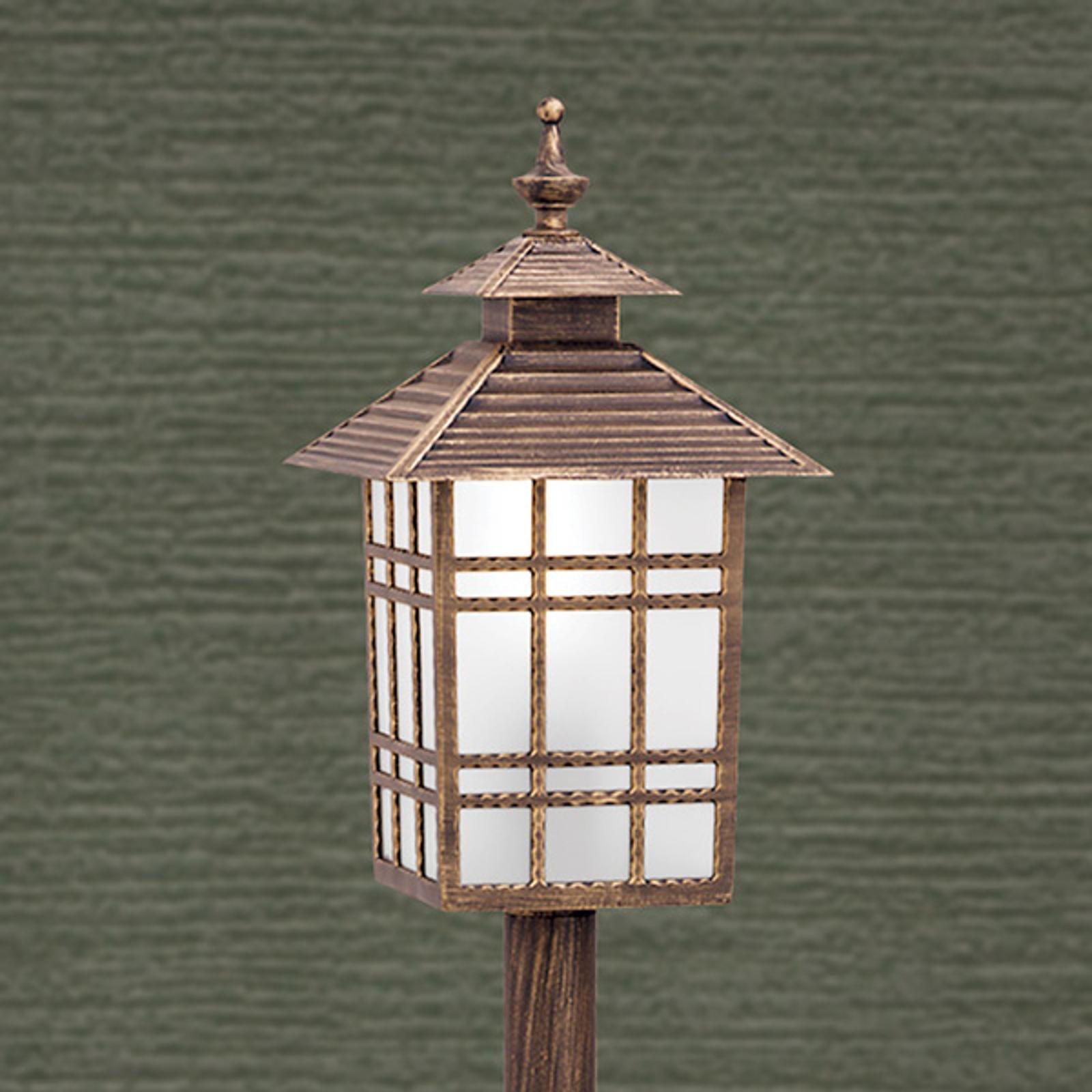Słupek oświetleniowy ILKA w kształcie latarni