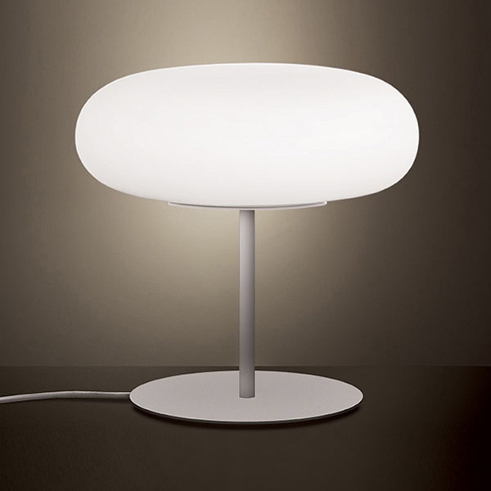 Artemide Itka stolní lampa Ø 35 cm sed stojanem
