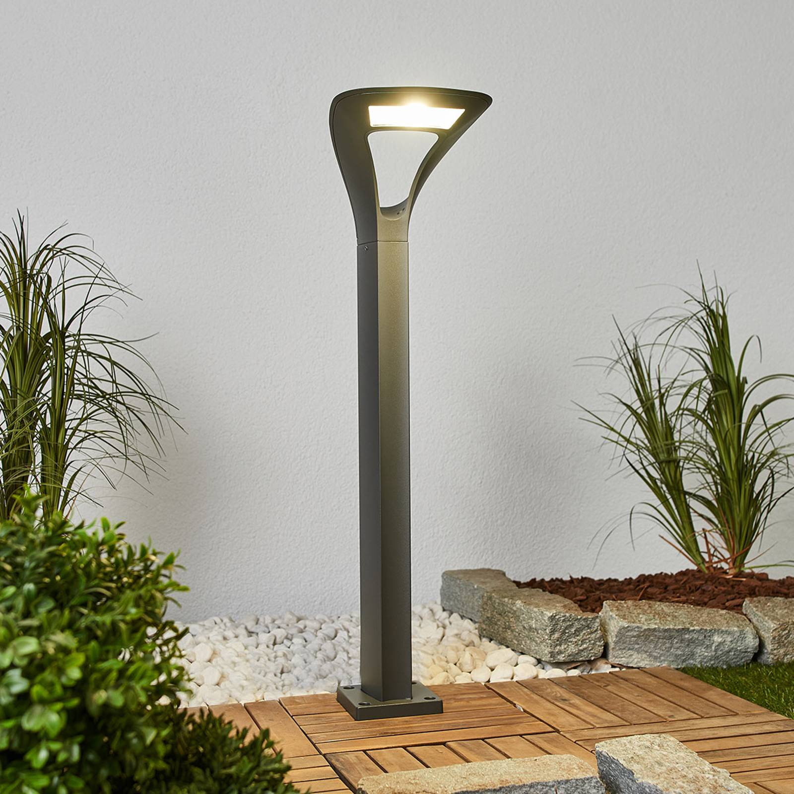 LED-Wegeleuchte Anda in interessanter Form