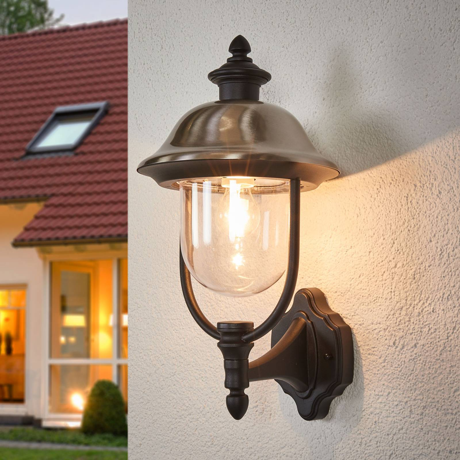 Ponadczasowa zewnętrzna lampa ścienna PARMA