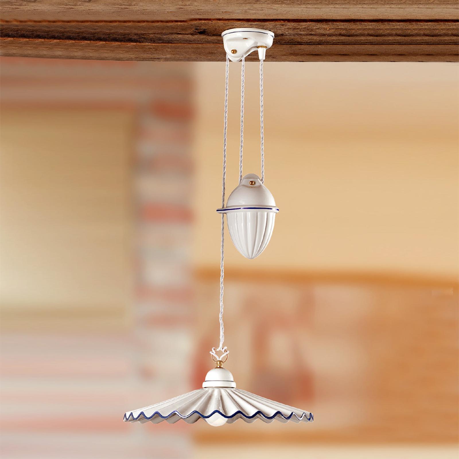 Výškovo variabilne závesná lampa PIEGHE s tiahlom