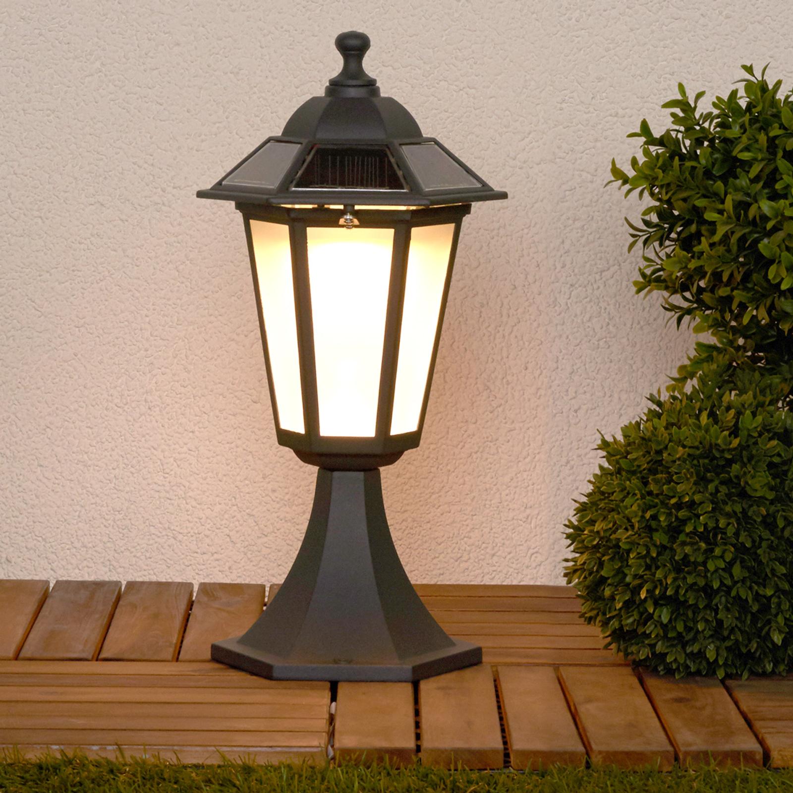 Lampa cokołowa Kristin z LED i technologią solarną