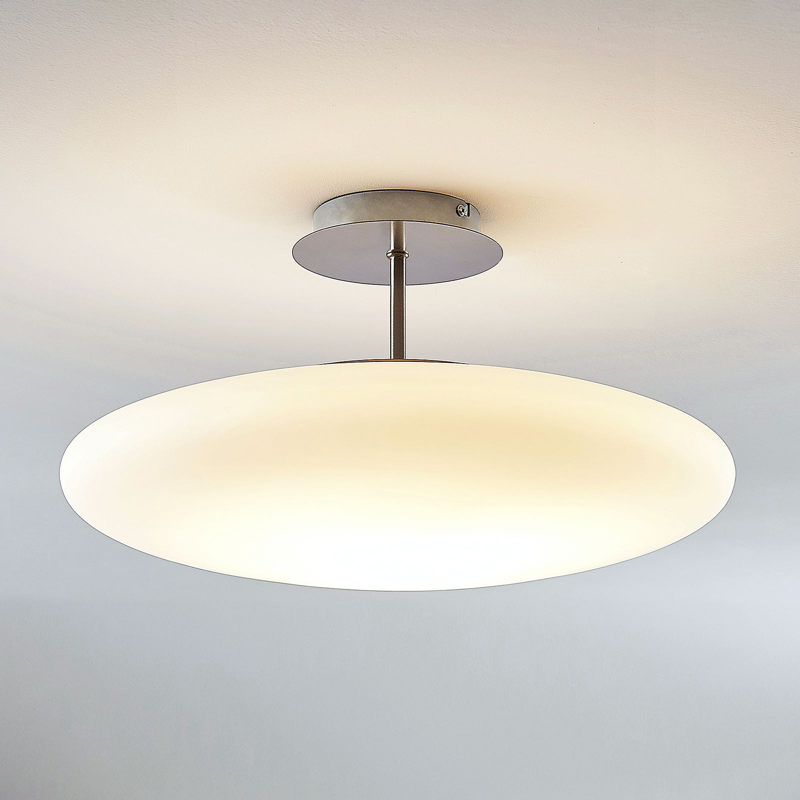 Lampa sufitowa opalowa LED Gunda w kolorze białym