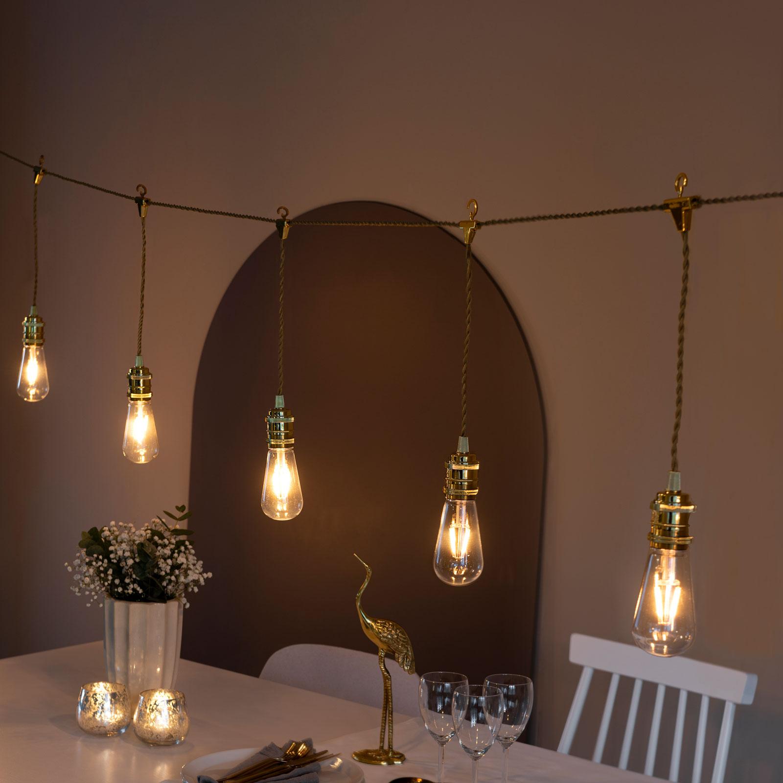 LED-partyljusslinga traditionell glödlampa inuti