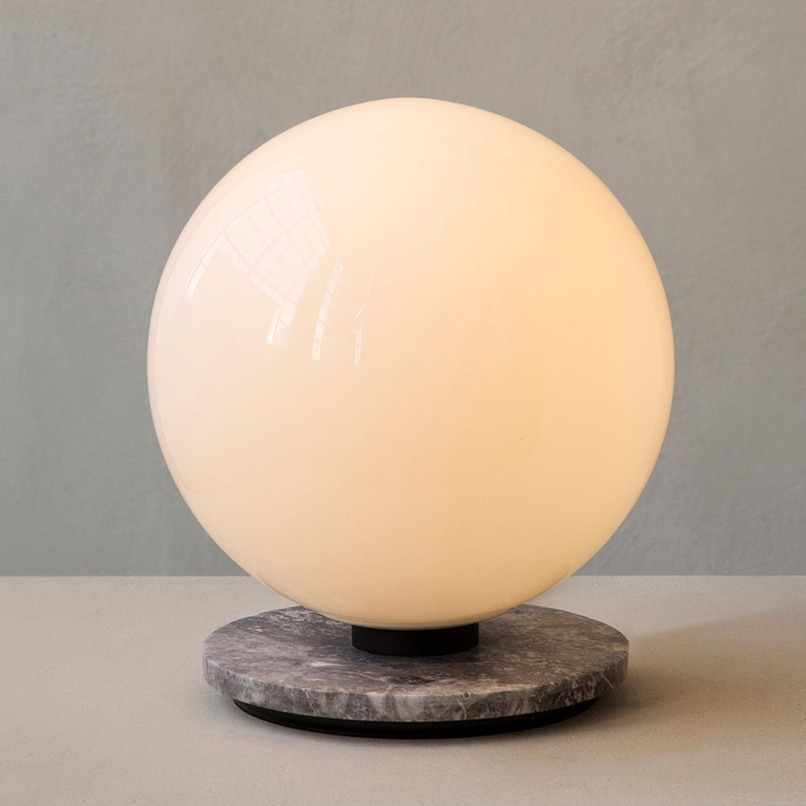 Menu TR Bulb DTW bordlampe 22 cm marmor/opal blank