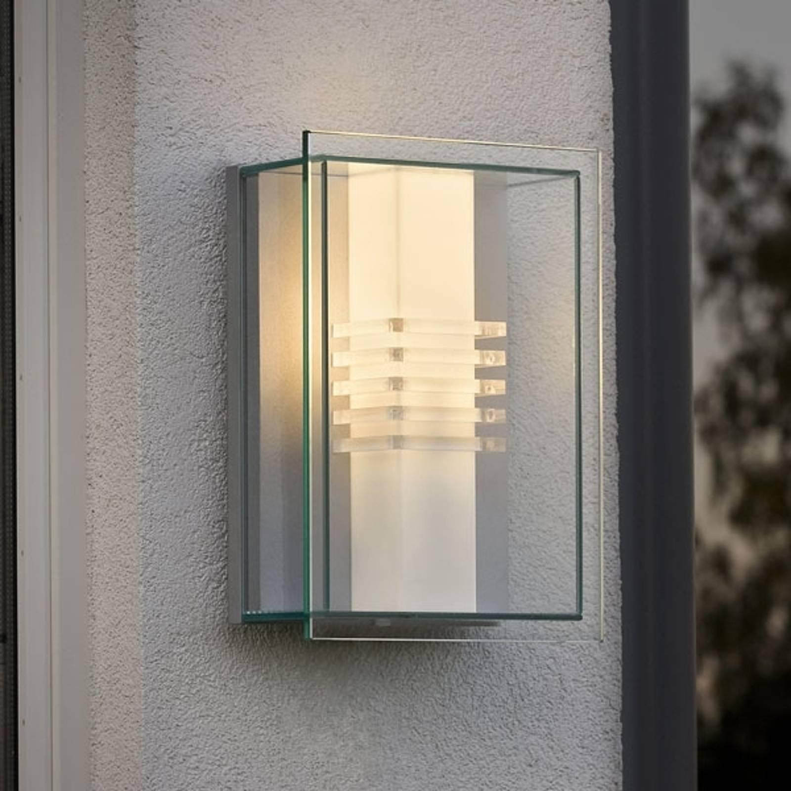 Zewnętrzna lampa ścienna SOL o wyraźnej linii