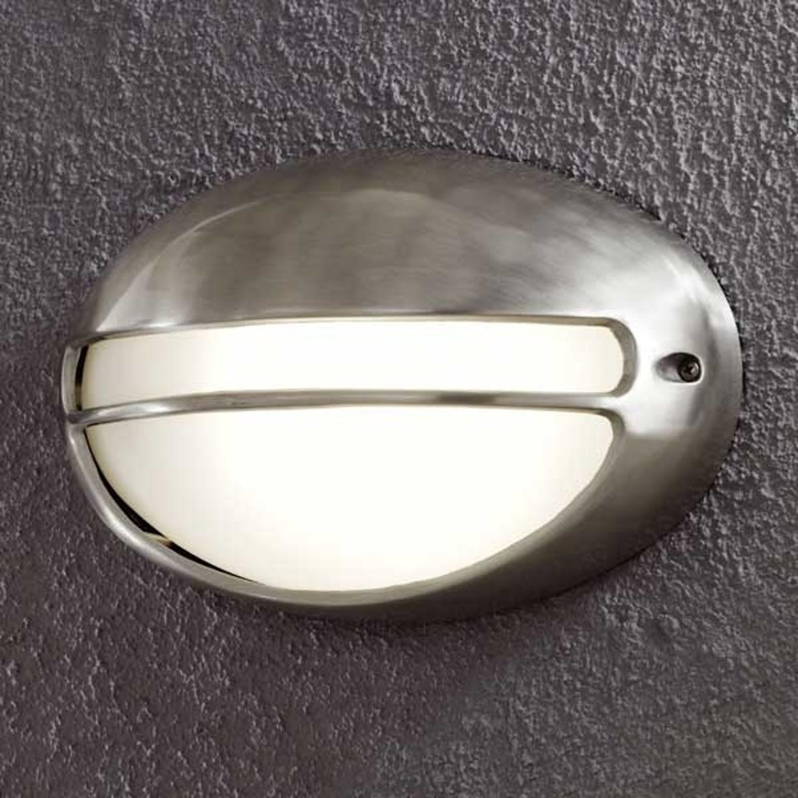 Bonito aplique de pared exterior TORINO, ovalado