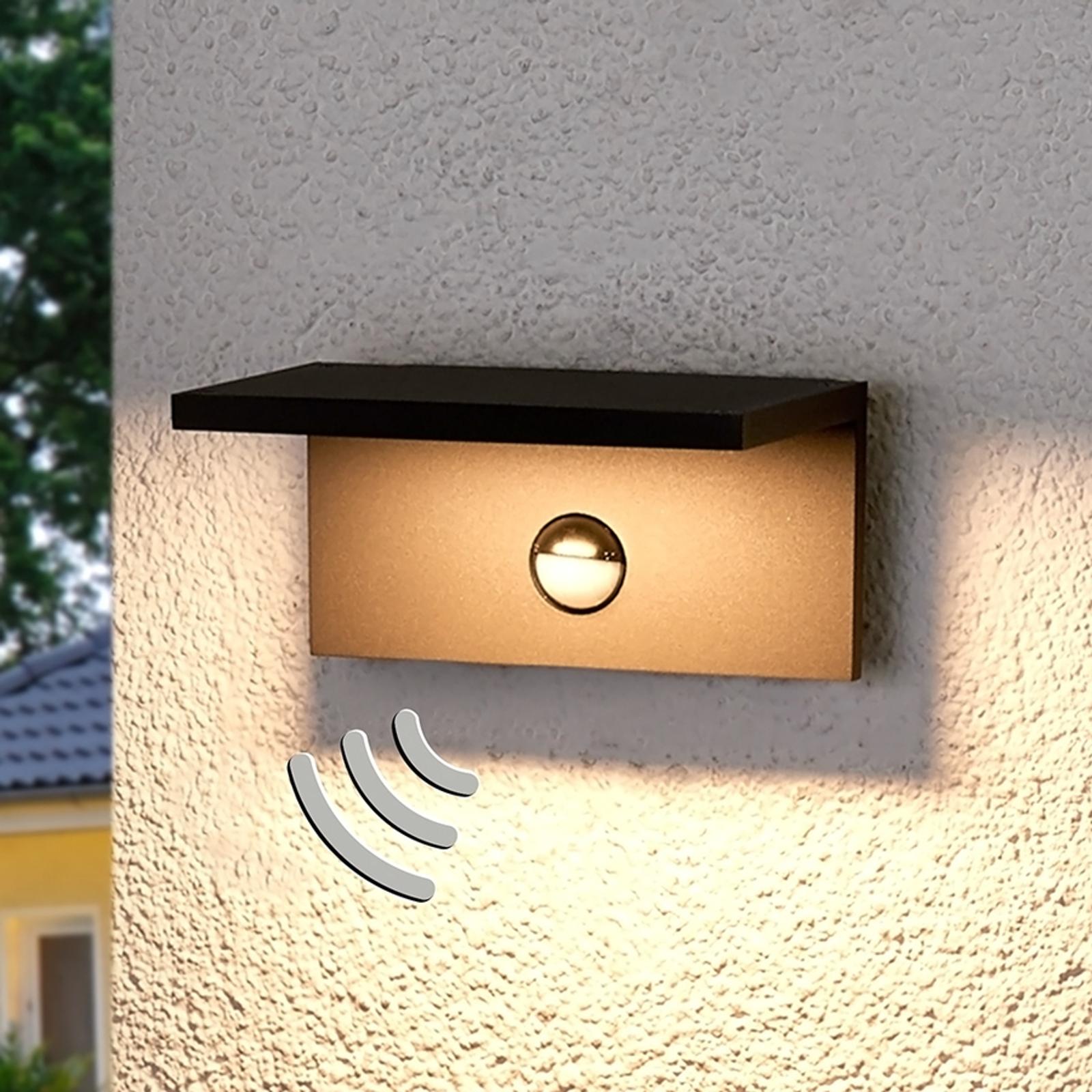 Hoekige LED outdoor wandlamp Darina, bewegingsm.