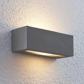 Lindby Nellie LED-Beton-Wandlampe, Breite 21,8 cm
